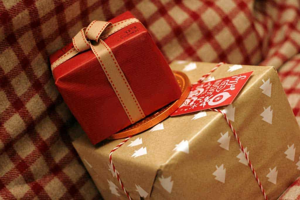 find de gode ideer til julegaver der virker både til mænd og kvinder
