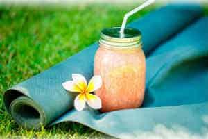 giv en oplevelse der byder på yoga søndag for hende