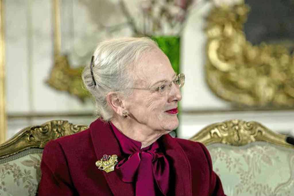 Årets julemærke er tegnet af Dronning Margrethe