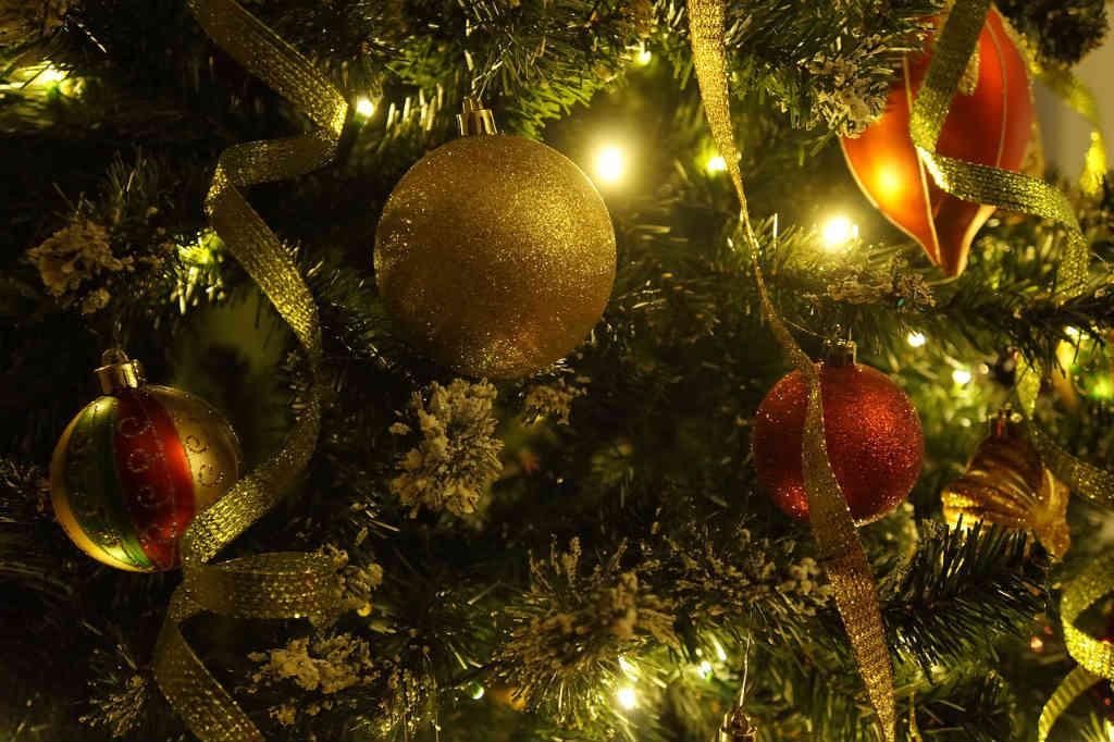 Brug den rigtige juletræsfod som f.eks. Ferm Living