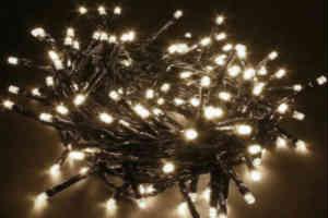 køb din lyskæde med det gullige lys til den hyggelige stemning