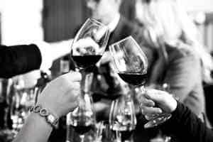 giv vin elskeren en sjov vinsmagning i julegave