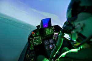 køb F16 simulator oplevelsen til ham
