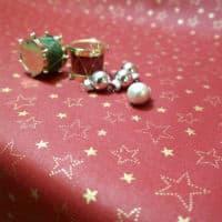 køb den søde røde juledug med stjerner på